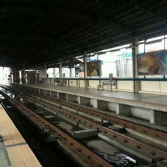 Photo taken at Yellow Line - Quezon Avenue Station by Randy E. on 12/2/2011