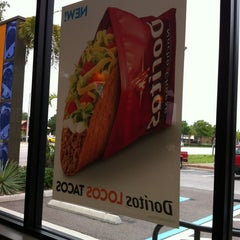 Photo taken at Taco Bell by Karen W. on 5/29/2012