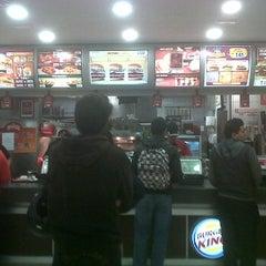 Photo taken at Burger King by Juan Z. on 11/7/2011