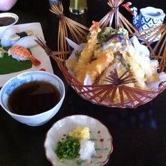 Photo taken at Hana Japanesse Restaurant by Winnie L. on 6/19/2011