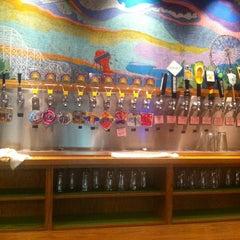 Photo taken at Vine Street Pub & Brewery by Gabriel S. on 8/9/2011