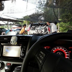 Photo taken at Jeff Snow Wash & Services by Amirul F. on 6/26/2012