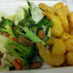 Photo taken at Panda Express by Ray F. on 12/9/2011