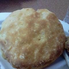 Photo taken at Bojangles' Famous Chicken 'n Biscuits by Trey H. on 11/5/2011