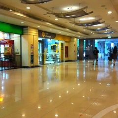 Photo taken at Jasmine City Building (อาคารจัสมินซิตี้) by Bell A. on 6/13/2012
