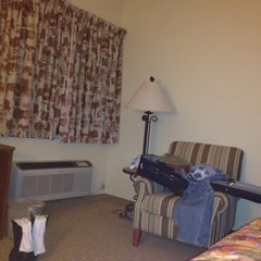 Photo taken at Country Inn & Suites By Carlson, Albuquerque Airport, NM by Nachum L. on 3/5/2012