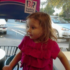 Photo taken at Baskin-Robbins by Miguel Oscar F. on 12/1/2011