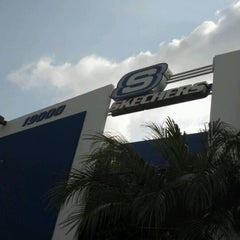 Photo taken at SKECHERS Factory Outlet by iNanee_g on 4/5/2012