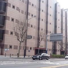 Photo taken at 이화여자대학교 신세계관 (Ewha Womans University Shinsegae Building) by Seung-taeck L. on 4/11/2012