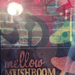 Photo taken at Mellow Mushroom by Mike E. on 7/29/2012