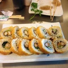 Photo taken at Sushi Hokō-Ki by Ruy P. on 7/1/2012