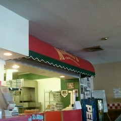 Photo taken at Mancino's Pizza & Grinders by Matthew K. on 2/27/2012