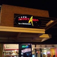 Photo taken at Café Mostarda by Andréa Sócrates on 7/29/2012