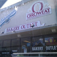 Photo taken at Oroweat Bakery Outlet by Gipsy B. on 7/28/2012