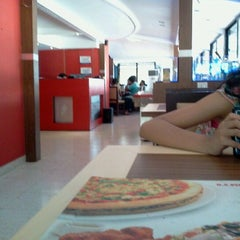 Photo taken at U S Pizza by Damini M. on 3/4/2012