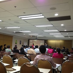 Photo taken at เมืองไทยประกันชีวิต (Muang Thai Life Assurance) by Peung O. on 9/4/2012