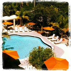 Photo taken at Hotel Urbano at Brickell by Leslie on 10/21/2011