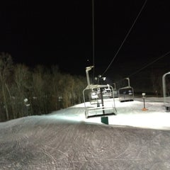 Photo taken at Paoli Peaks - Ski, Ride, Tube by Alex N. on 2/15/2012