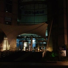 Photo taken at Yapı Kredi Bankacılık Üssü by Neše E. on 8/31/2012
