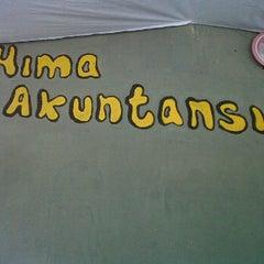 Photo taken at Hima akuntansi STIESIA by Miftachul F. on 11/29/2011