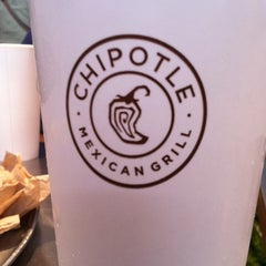 Photo taken at Chipotle Mexican Grill by Ramez on 8/11/2012