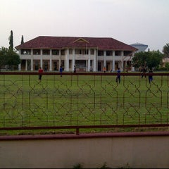 Photo taken at Maktab Mahmud by Syazrul A. on 6/18/2012