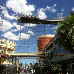 Photo taken at Fremont Street Flightlinez by Jay on 7/23/2011