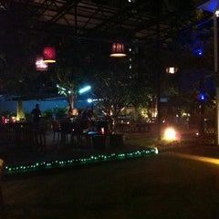Photo taken at Dracula, Jazz & Fine Dining by Boss C. on 1/2/2012