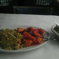Photo taken at New Jeanny's Chinese Restaurant by Richard S. on 9/14/2011
