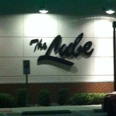 Photo taken at Quaker Steak & Lube® by Megan N. on 8/14/2012