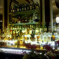 Photo taken at Simeon's On The Commons by Kent J. on 9/4/2011