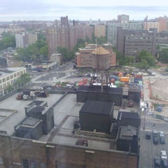 Photo taken at Sheraton Brooklyn New York Hotel by Deacon B. on 6/11/2012