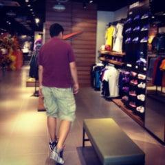 Photo taken at Nike Hai Bà Trưng by Guru L. on 5/18/2012