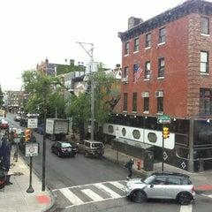 Photo taken at Starbucks by Debora C. on 5/21/2012