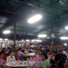 Photo taken at ร้านชัยโภชนา by MooBabe(^@^) on 4/29/2012