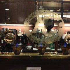 Photo taken at CAFE MOUNTAIN by NEMOTO T. on 2/24/2012