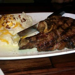 Photo taken at LongHorn Steakhouse by Suzette G. on 3/4/2012