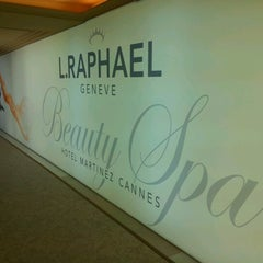 Photo taken at L.RAPHAEL Beauty Spa by Carole on 6/17/2012