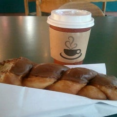Photo taken at Happy Donuts by Enrico P. on 8/16/2012
