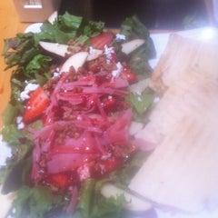 Photo taken at Super Salads by Esmeralda D. on 3/27/2012