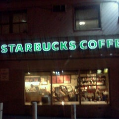Photo taken at Starbucks by Marcelle on 12/2/2011
