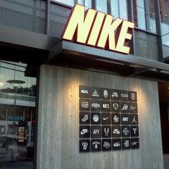 Photo taken at Nike Santa Monica by Ryo H. on 12/4/2011