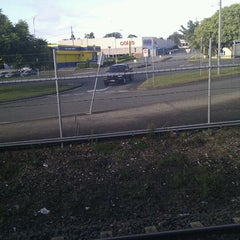 Photo taken at Beenleigh Railway Station by f r. on 2/1/2012