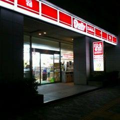 Photo taken at デイリーヤマザキ 東陽町駅前店 by shunkit2 @. on 11/21/2011