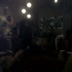 Photo taken at Tinto y Blanco Restaurant & Wine Bar by Jaime Z. on 10/7/2011