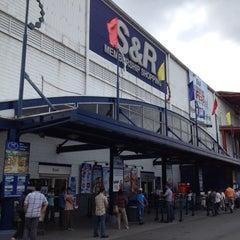 Photo taken at S&R Membership Shopping by Ado B. on 3/26/2012