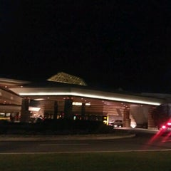 Photo taken at Mohegan Sun At Pocono Downs by Ennyl R. on 8/25/2012