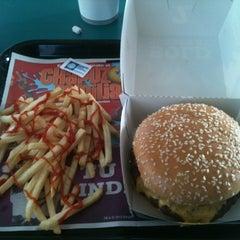 Photo taken at Burger King by Luis R. on 6/6/2012