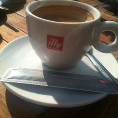 Photo taken at Café De Oude Jan by Carlijn W. on 4/2/2011