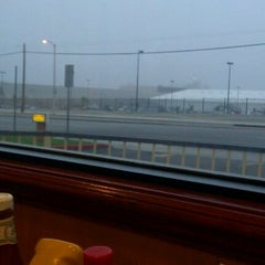 Photo taken at Bravo Burger by Paula P. on 10/20/2011
